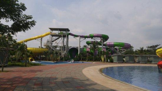 Go! Wet Water Adventure: The tallest slides.