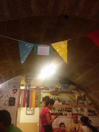 Lu Furat: inside restaurant