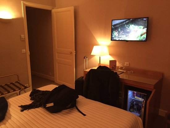 littre picture of hotel le littre paris tripadvisor. Black Bedroom Furniture Sets. Home Design Ideas