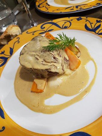 filet de b uf sauce au foie gras picture of le bouche a. Black Bedroom Furniture Sets. Home Design Ideas