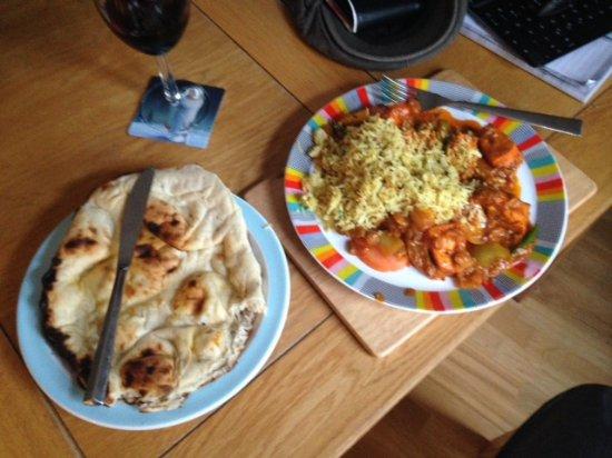 Farnham, UK: Meal = Chicken Tikka Jalfrezi with Nan Bread (optional rice)