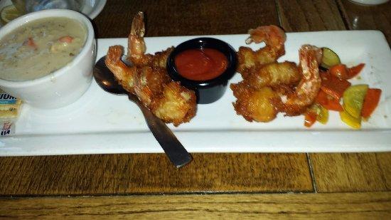 Inn Cafe: Battered Shrimp so crisp and tender Friday Must Calm Chowder