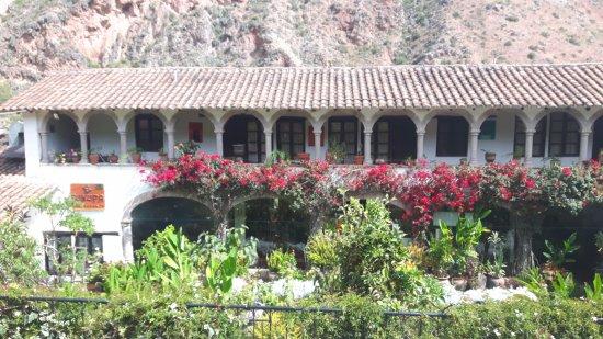 Tunupa Valle Sagrado: Frente do restaurante