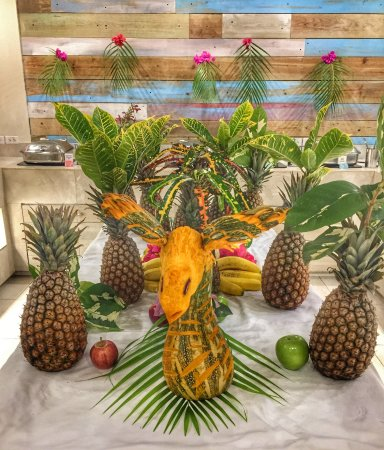 Buffet table decoration - Picture of Sugar Bay Barbados, Hastings ...