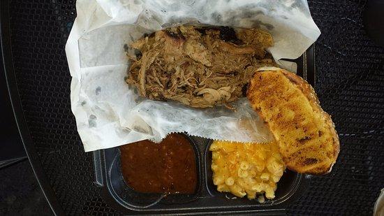 Belle Chasse, LA: pulled pork