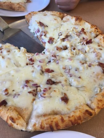 Hook and Ladder Pizza Co.: photo0.jpg