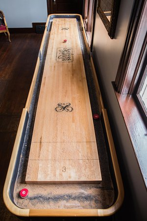 Sisters, OR: Shuffleboard in the game room upstairs