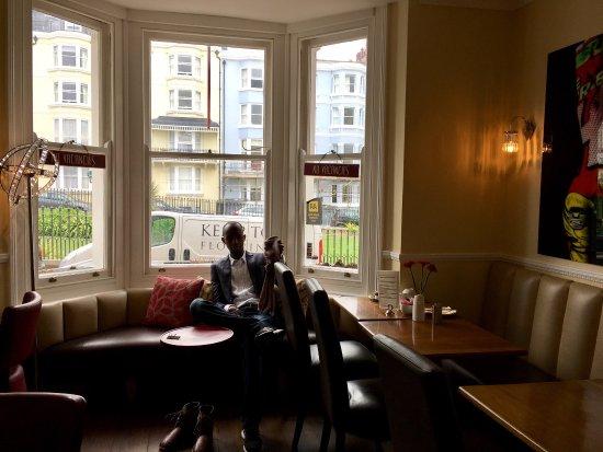 New Steine Hotel: Aussicht aus zimmer 207 und Frühstücksraum