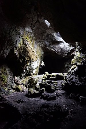 Sicily Excursions - Day Tours: interno grotta