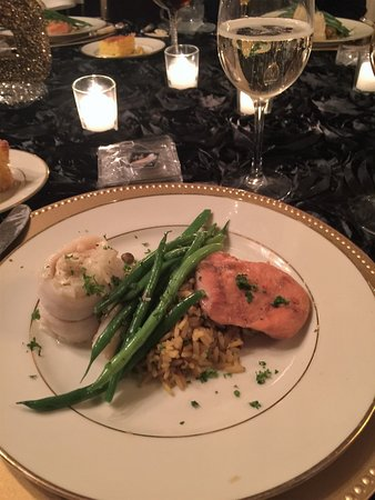 Bethany, PA: Saturday Dinner - seafood stuffed fish, glazed chickn breast, chef special rice & string beans.