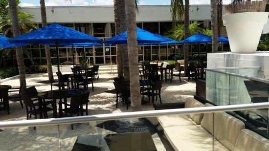 sawgrass grand hotel picture of sawgrass grand hotel sunrise tripadvisor. Black Bedroom Furniture Sets. Home Design Ideas