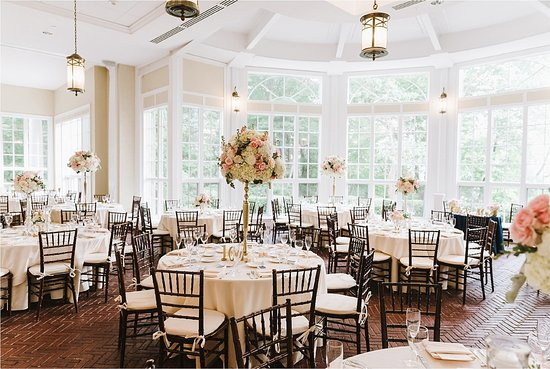 Beverly, MA: Tupper Manor