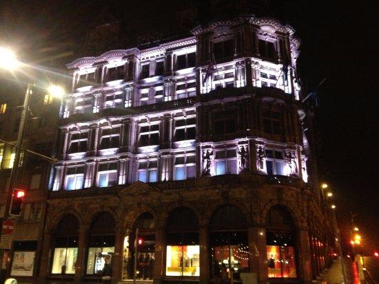 Princes Street : Shopping district