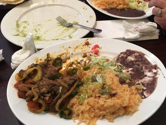 East Brunswick, NJ: Steak dishes were excellent including the rice and beans.