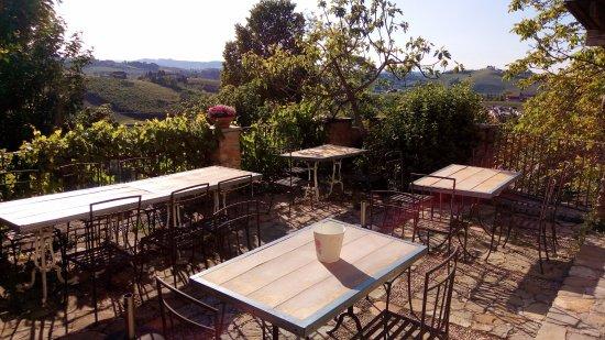 Coazzolo, Italy: esterno ristorante