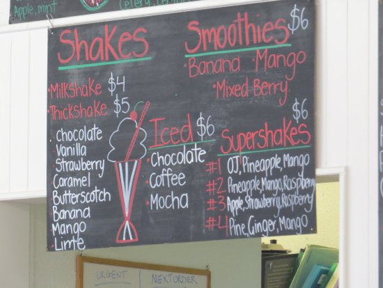 Woolgoolga, Australien: Shakes and smoothies blackboard