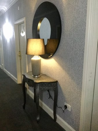 Shannon, Irlandia: Renovations: new restaurant, double room and hallway