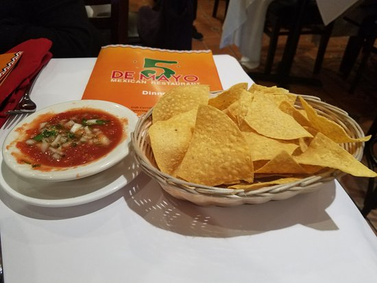 5 De Mayo Mexican Restaurant: You start off with some chips and salsa!