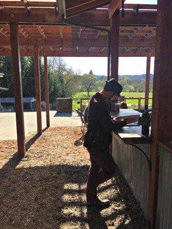 Φόρεστβιλ, Καλιφόρνια: Outdoor tasting bar