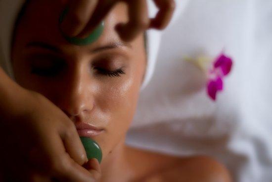 Shintamani Spa: Healing Stones Facial