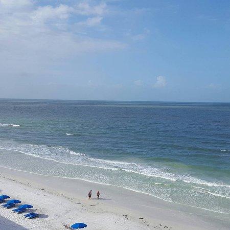 Doubletree Beach Resort by Hilton Tampa Bay / North Redington Beach: IMG_20170501_093020_431_large.jpg