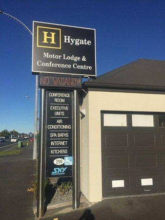 Hygate Motor Lodge: Just about the last Motel in the street heading north.