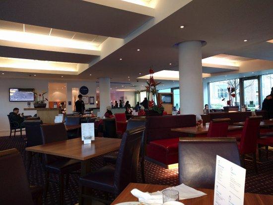 Holiday Inn Express Newcastle City Centre: Breakfast area