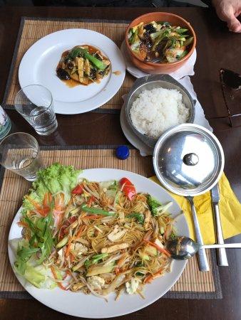 Samadhi Vegan Vegetarian Restaurant: Bamigoreng, verdure