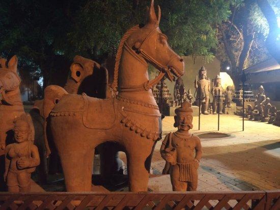 Crafts Museum: Tamil Nadu Crafts
