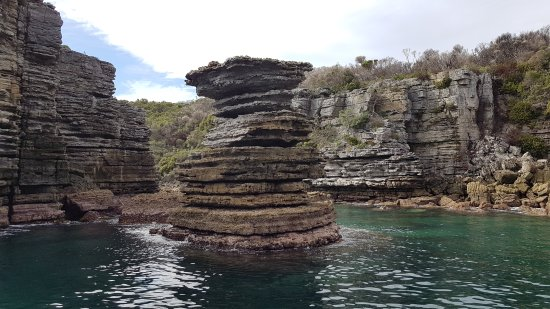 Huskisson, Australia: A calm day meant we were able to get close to many of the sights of the Bay