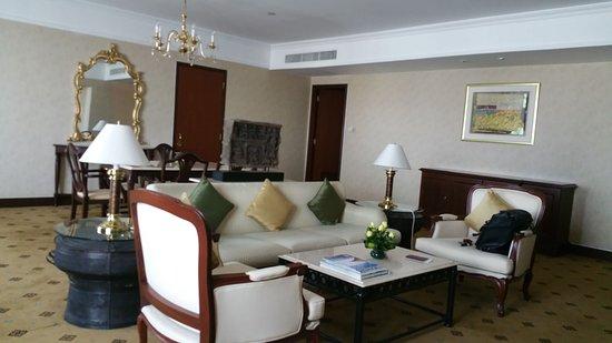 InterContinental Phnom Penh: Living room