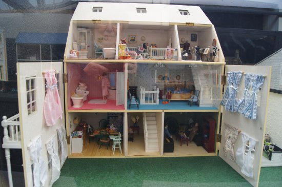Uffculme, UK: Dolls' house exhibition