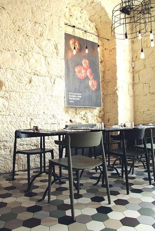 Sentimi Restaurant Place Garibaldi Nice