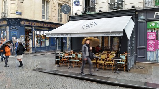 Le Comptoir du Commerce: a view of the front of the restaurant