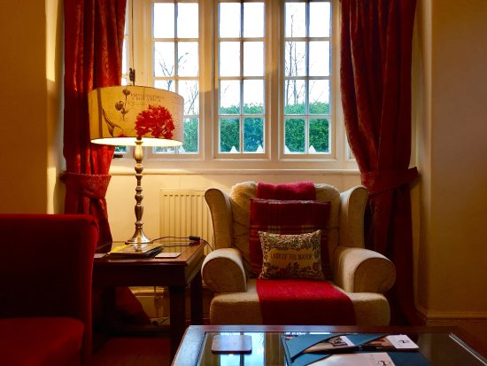 Plas Dinas Country House: The Gatekeepers Lodge - Self Catering Cottage