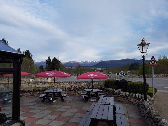 La Taverna: The patio
