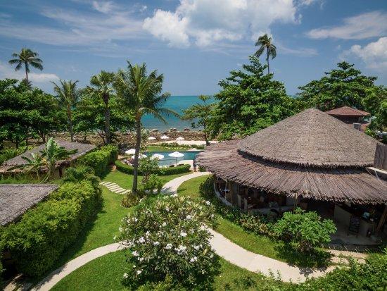 Sea Dance Resort : Restaurant and pool areas.