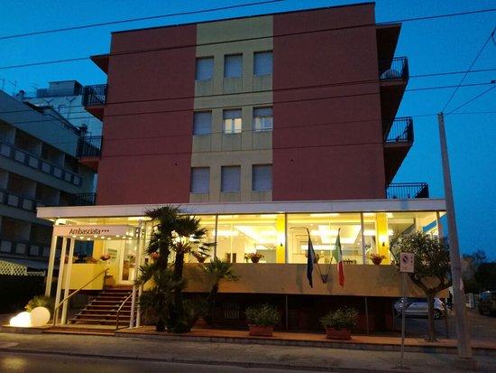 Hotel Ambasciata (Riccione): 71 fotos, comparação de preços e avaliações