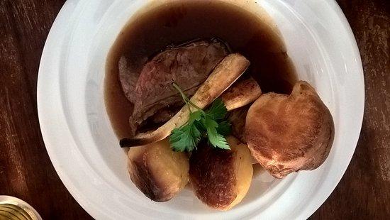 Montgomery, UK: Sunday Roast Beef