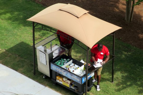 Marriott's Grande Ocean : A little food station for hot dogs and stuff one day