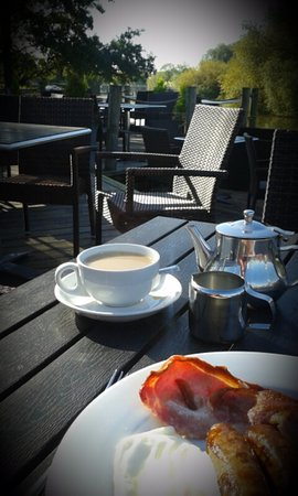 Benson, UK: October - Breakfast