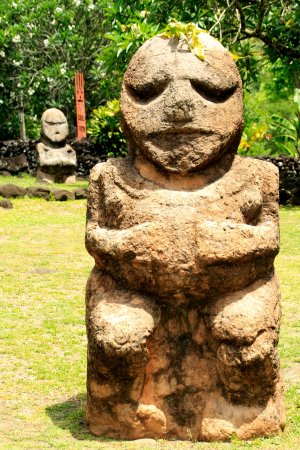 Opoa, Polinesia francese: Guardian Tiki Statues (Replicas - originals are on Ra'ivavae Island )