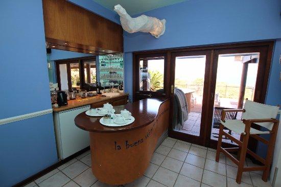 Wailana Beach Lodge: Bar