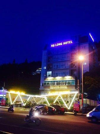 Ha Long Hotel Vung Tau: Ks Hạ Long vào buổi tối