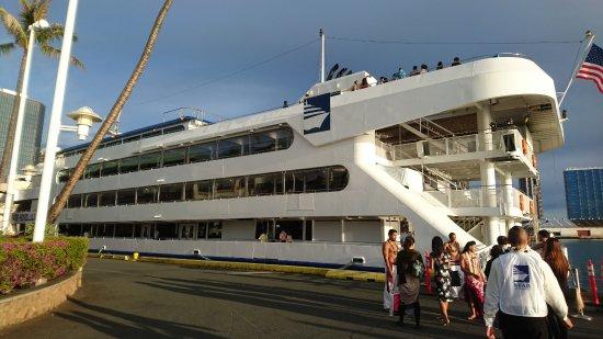 Star of Honolulu - Dinner and Whale Watch Cruises: 船の外観