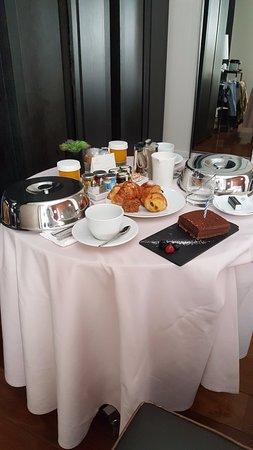 Hotel Unico Madrid Photo