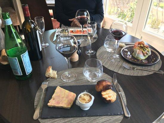 Carrieres-sur-Seine, Prancis: Foie gras maison et sa brioche chaude