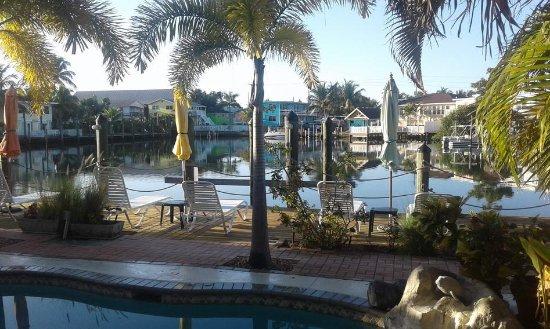 Manatee Bay Inn Photo