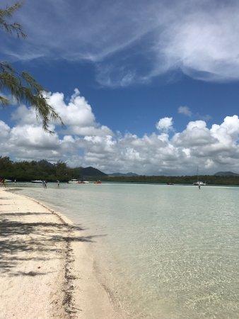 Иль-О-Серф: Un moment inoubliable sur ces petites îles paradisiaques une excursion à ne pas rater.c'est dépa