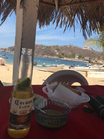 Bahia Estacahuite : Lunch on the beach.